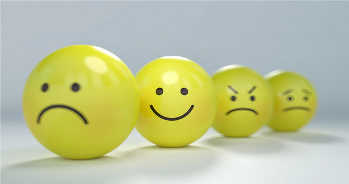 smiley-frowny-faces-700